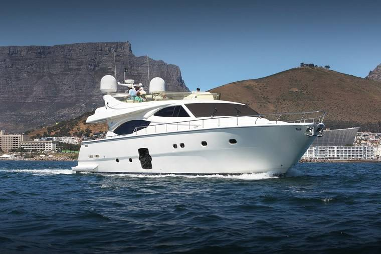 ct-things-to-do-luxury-yacht